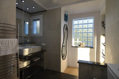 Blue bedroom ensuite bathroom